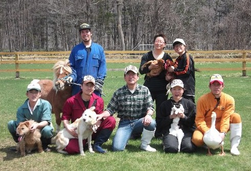 與牛隻們開心度過打工生活   位於廣闊北海道的酪農場