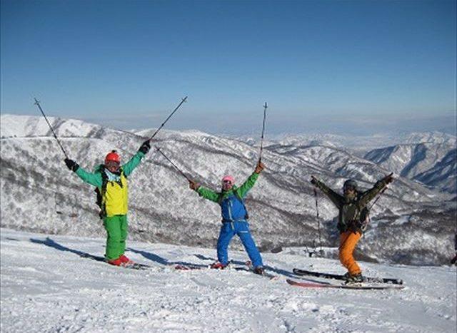 A32.2 冬季滑雪場的票券販賣與服務員 (新潟縣)