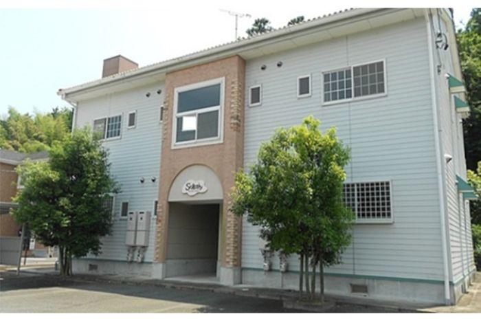 免費宿舍,時薪1200日圓。工作期滿有4萬日幣獎勵金的機車車體與引擎組裝