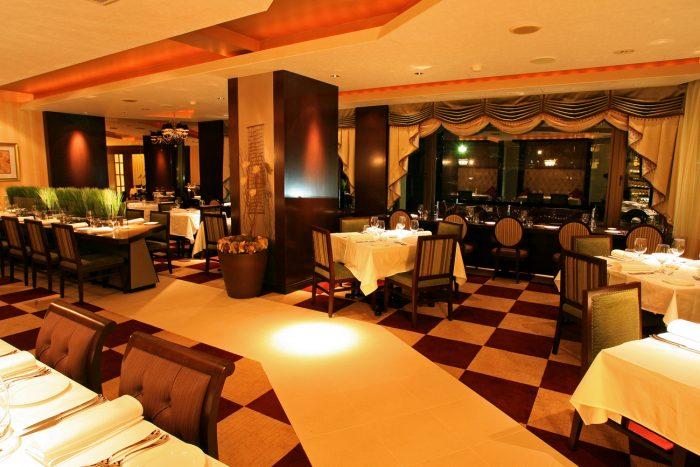 W16.6 高薪並提供宿舍,長野縣知名渡假飯店西餐廳的服務人員與調酒師(長野縣)